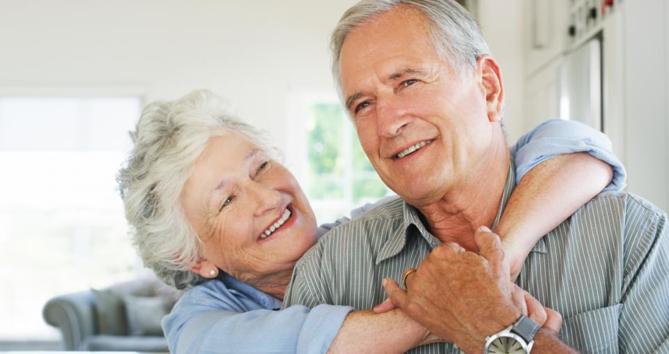 Longevidade ao idoso em casa junto à família